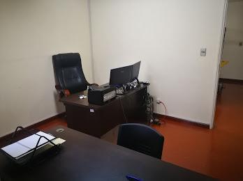 OFICINA EN VENTA LUGAR ESTRATÉGICO-AV. SANTA CRUZ
