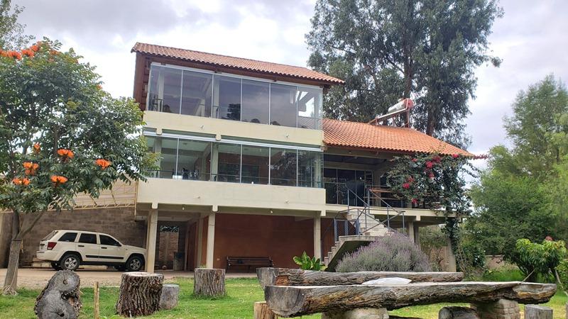 CASA ESTILO CAMPESTRE CONTEMPORÁNEO – ZONA TIQUIPAYA